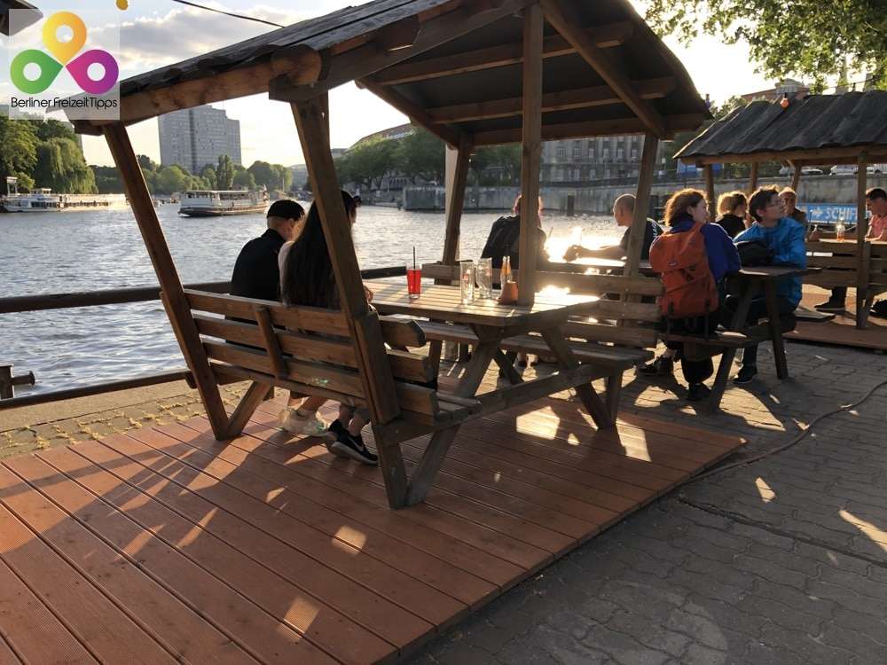Bild Biergarten Strandbar gestrandet Janowitzbrücke Mitte