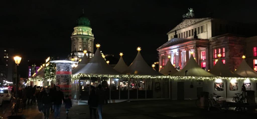 Bild Weihnachtsmarkt am Gendarmenmarkt Berlin Mitte