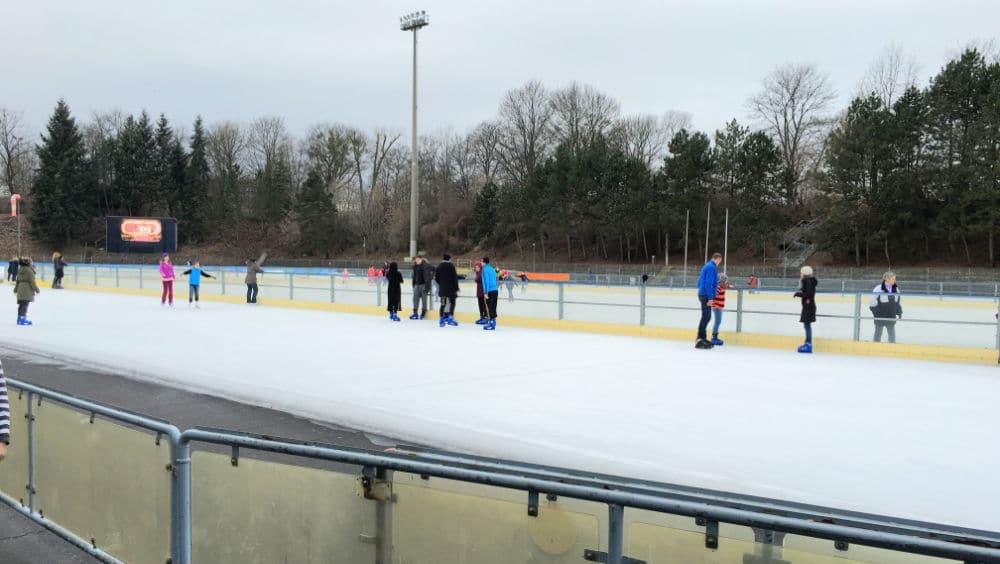 Eislaufschule mit Eislaufkursen Berlin
