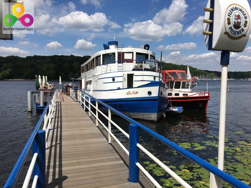 """Restaurantschiff """"Alte Liebe"""" an der Havel"""