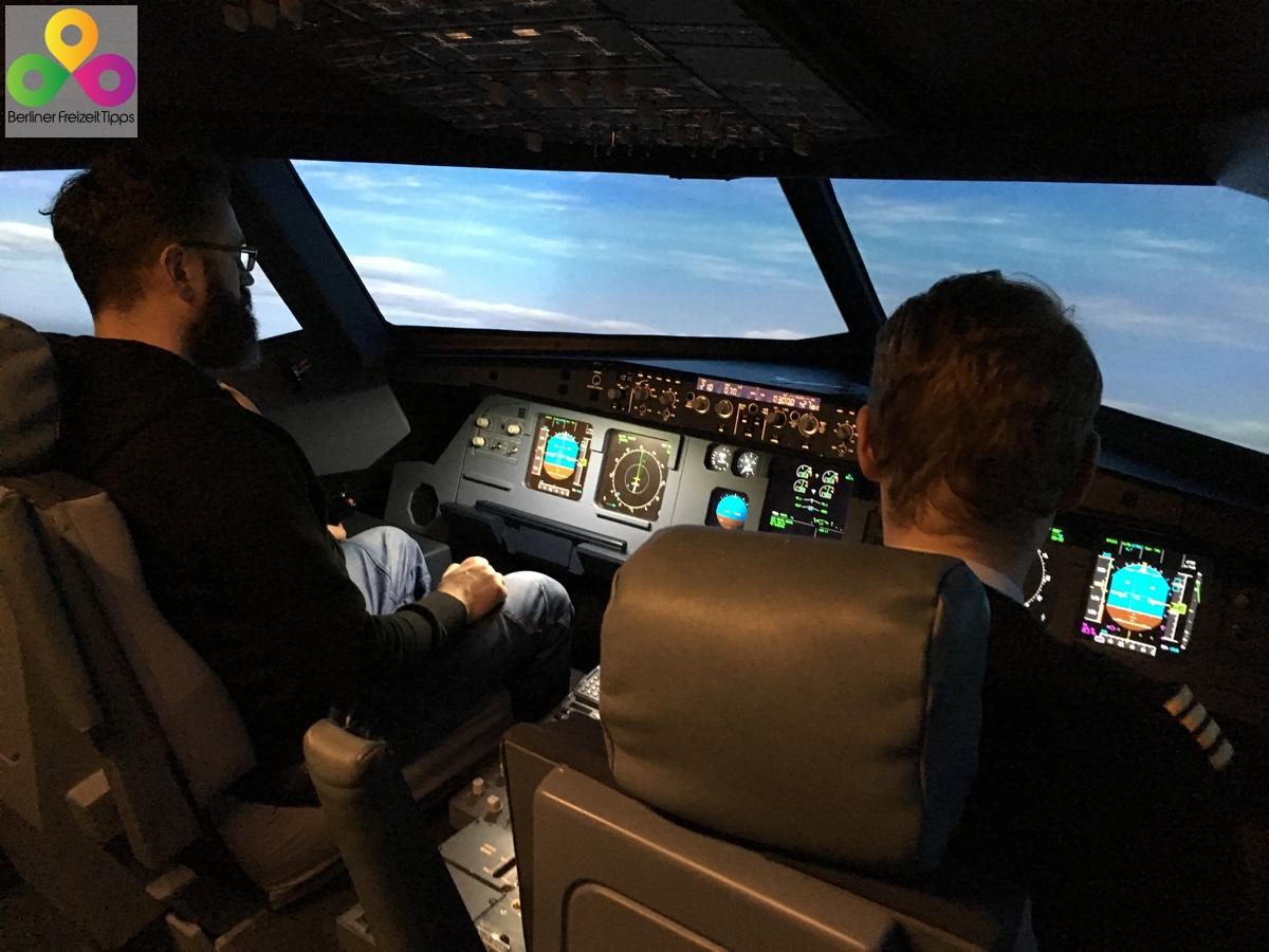Bild Flugsimulator Hubschraubersimulator Berlin Schönefeld