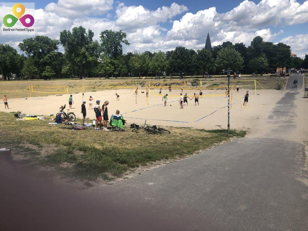 kostenlose Beachvolleyballfelder Volkspark Friedrichshain