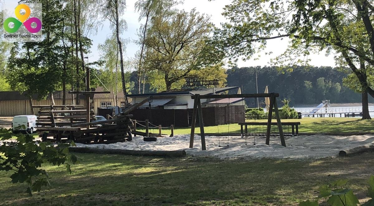 Strandbad Wukensee Spielplatz Wiese