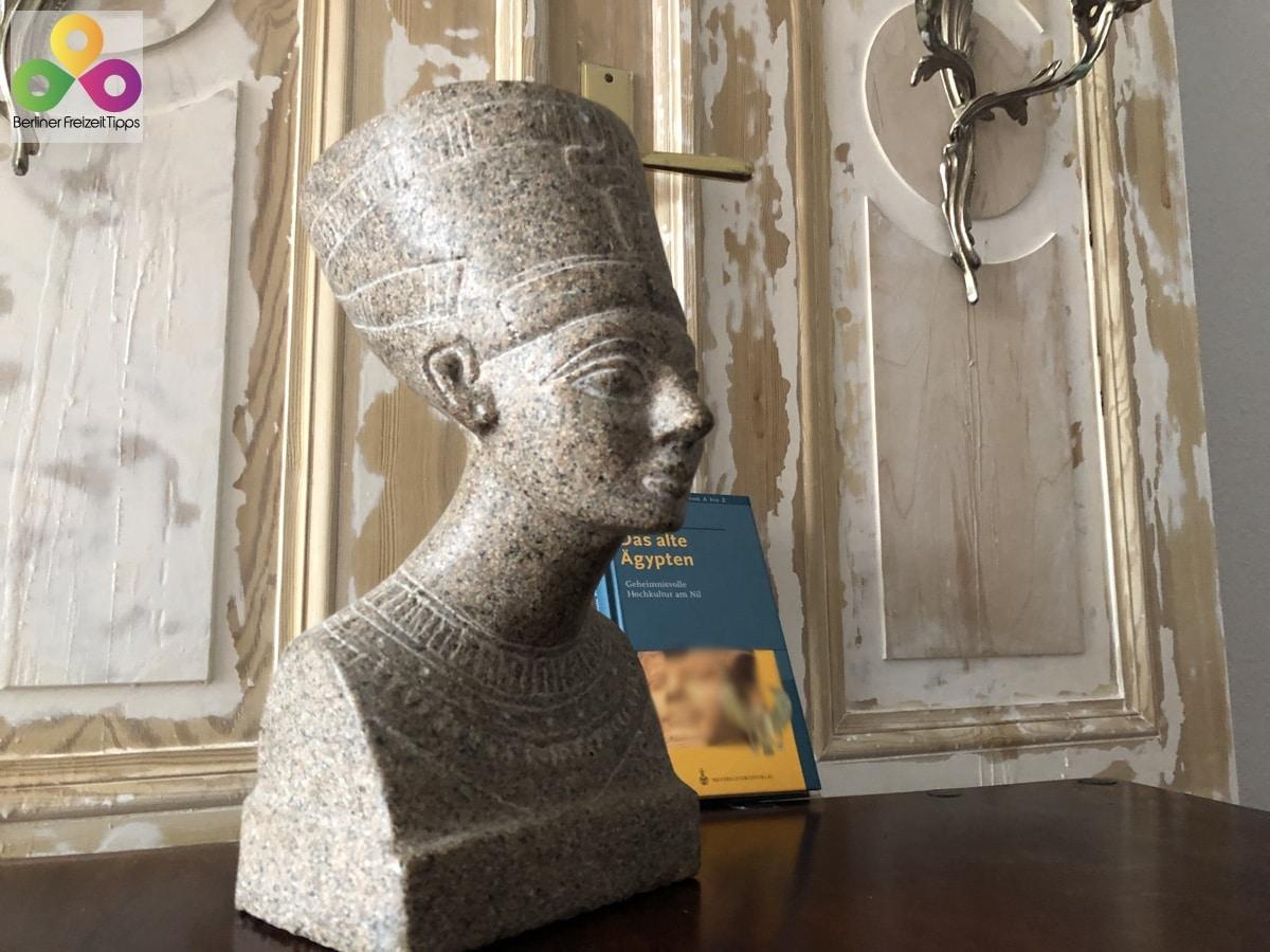 Nachbildung Nofretete Granit