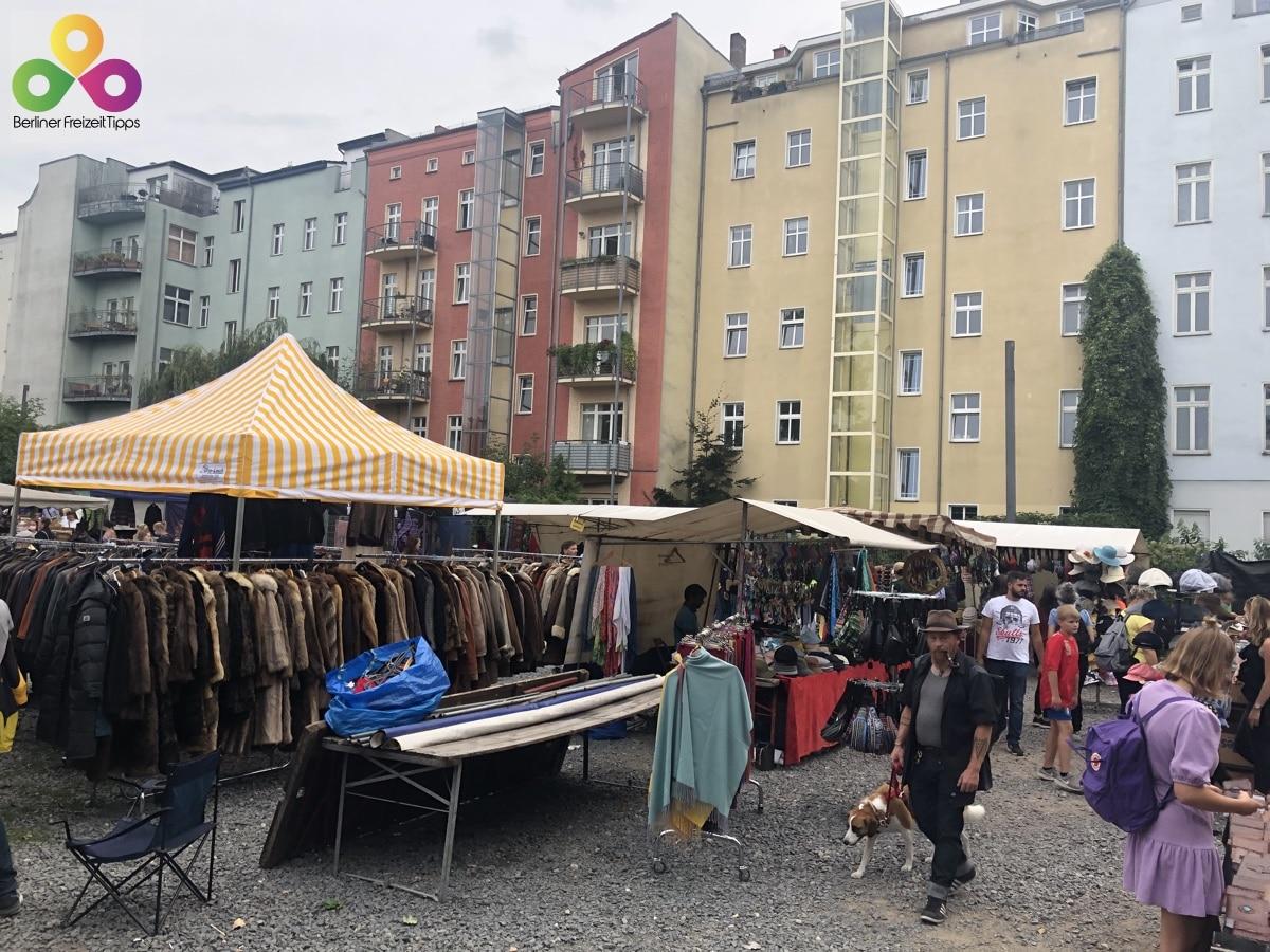 Bild Flohmarkt gegenueber vom Mauerpark